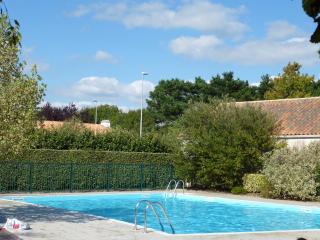Appartement t2 + cabine proche mer avec piscine