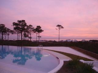 Walk to the Pools, Tennis Courts and Cypress Ponds, Destin