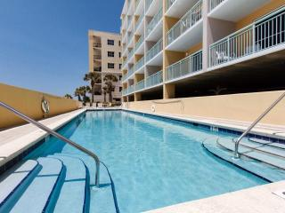 5th Floor Gulf front Condo - Free Beach Service, Fort Walton Beach