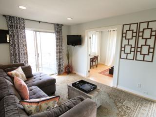 Charming 1 Bedroom Plus Den in Silver Lake, Los Ángeles