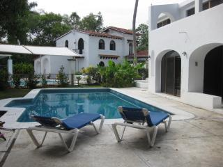 Big Private 1 Bedroom Residential Area near beach