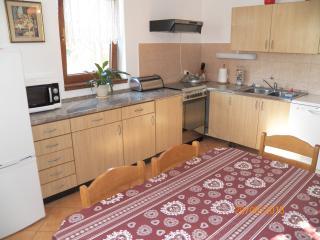 70/1-Apartm.in Stinjan for 6 people, Pula