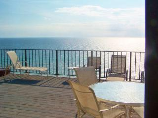 C the Views --- 4br, Beach front Penthouse, roof top  terrace, EBR amenities