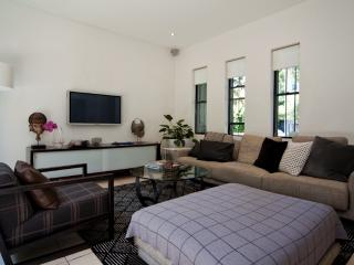 Paradise in Paddington PD14, Edgecliff