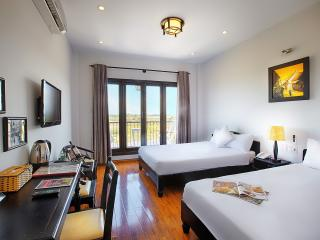 Family room with River view-2 double beds, Hoi An