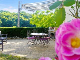 Charming country house with garden, Les Eyzies-de-Tayac