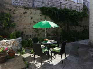 Ploce Apartments - Two-Bedroom Apartment with Terrace and Sea View - Buica 6 Street, Dubrovnik