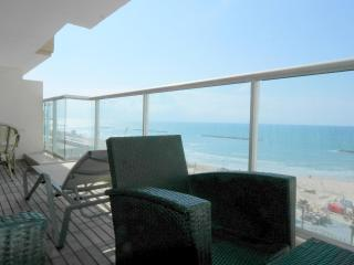 Orchid Hotel -  Exeptionnal Sea view suite, Tel Aviv