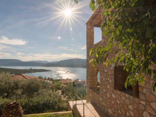 Luxury Stone villa, Korfos