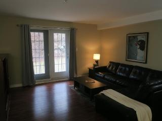 Large, spacious 1 bedroom unit