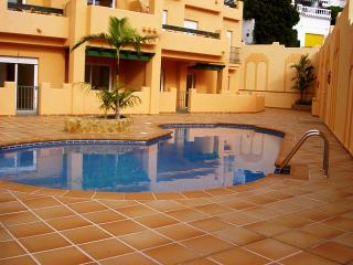 Ibn Sadi 2-M, two bedroom, pool, 50 mt. to beach, Nerja