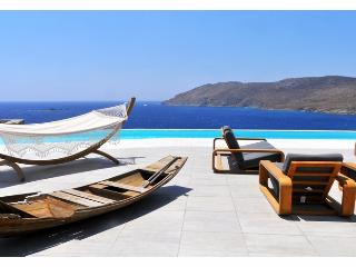 Blue Villas | Aegean Resort | Close to the beach