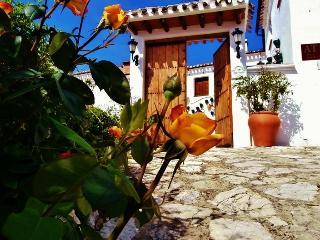 Welcome ... entrance to main patio at Cortijo La Presa