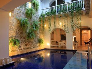 Stunning 4 Bedroom Old City Mansion, Cartagena