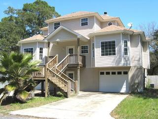 210 Eagles Nest Lane - A Perfect Location for a Family Vacation - Private Pool - FREE Wi-Fi, Isla de Tybee