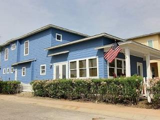 Second Wind: Upscale Island Style Decor, Close to Beach, 2 Pools, 4/4.5, Port Aransas