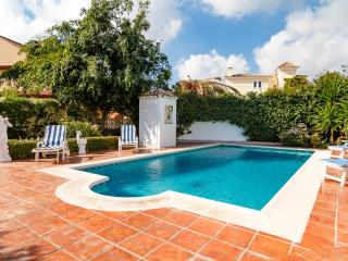Lovely Villa in Fuengirola, Private Pool & Garden