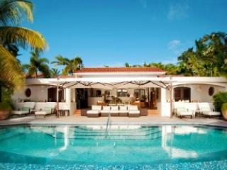 Lovely 3 Bedroom Villa on Harbour Beach, Saint George Parish