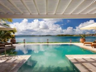 Beautiful 3 Bedroom Villa on Harbour Beach, Saint George Parish