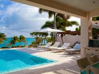 Lavish 4 Bedroom Villa in Harbour Hill, Saint George Parish