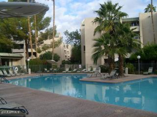 Walk to Everything Furn 2 Bed Condo Old Town, Scottsdale