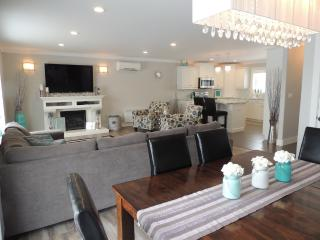 Beautiful New Vacation Home Minutes From Beach, Sea View