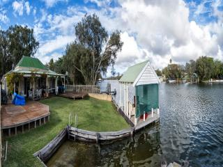 Mandurah Riverfront Holiday Rental