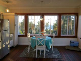 Idyllic Suite, Ocean and Island Views near Acadia, Southwest Harbor