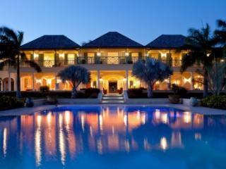 Charming 8 Bedroom Villa Jumby Bay, Saint George Parish