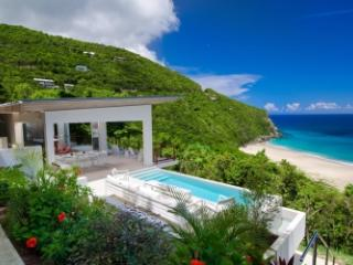 Sensational 3 Bedroom Villa in Trunk Bay