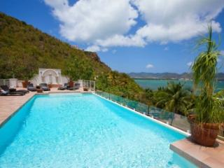 Radiant 3 Bedroom Villa in Terres Basses, St. Maarten
