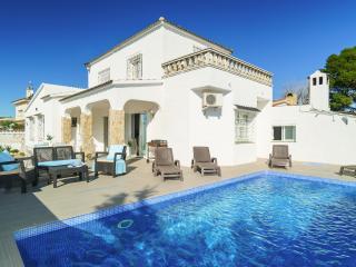 Preciosa casa con piscina, Empuriabrava. Carmanso