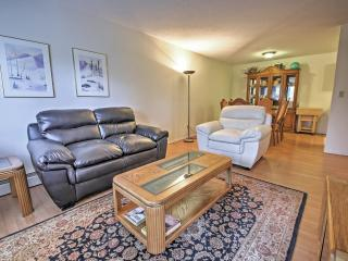 New Listing! Cozy & Inviting 2BR Sparwood Condo w/Wifi, Private Balcony & Great Location Close to Unique Shops, Live Entertainment & More - Easy Access to Fernie Alpine Ski Resort! Great Weekly/Monthly Rates!!