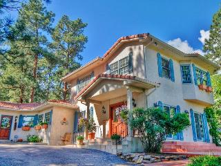 Elegant 4BR Colorado Springs Villa w/Private Patio