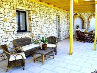Appartamento con splendida terrazza e piscina, Marina di Novaglie