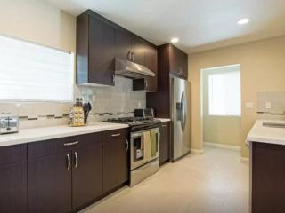 BEAUTIFULLY FURNISHED AND NEWLY REMODELED 4 BEDROOM, 3 BATHROOM HOME, Duarte