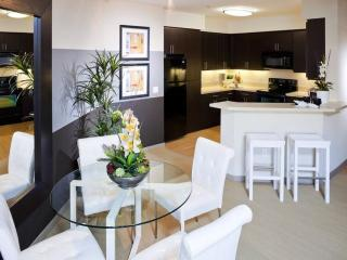 LOVELY, SPACIOUS AND LUXURIOUS APARTMENT HOME, Walnut Creek