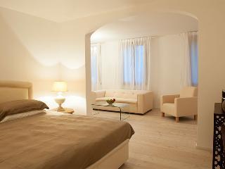 9 bedroom Villa in Venice, Venice, Italy : ref 2307820, Venetië