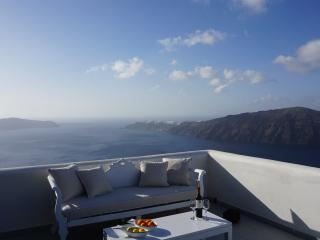 360° Caldera view house
