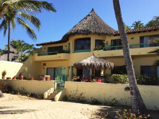 Casa de las Estrellas - Beachfront! - San Pancho