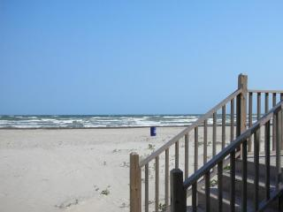 Great Price Large Beachfront Home!!, Galveston