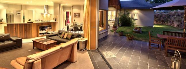 Great indoor - outdoor flow!