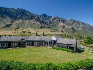 The Long House, Queenstown