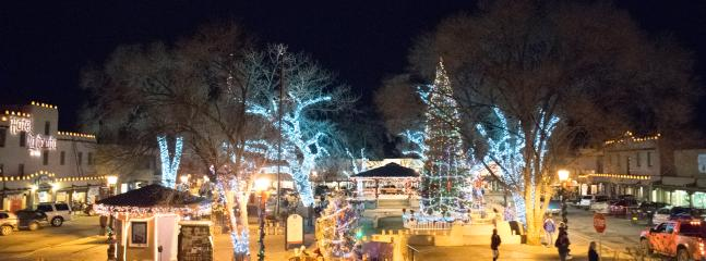 Holidays Taos Plaza