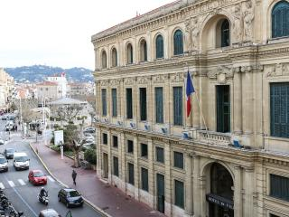 close Palais FF5O
