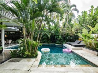 Popular 5BR Villa in quiet Area of Seminyak