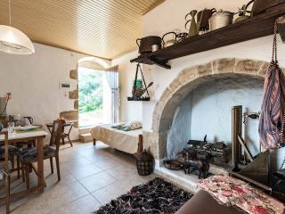 tsikalaria  tradional  holiday home  for  6 pepl