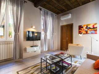 Living RHome Spanish Steps apartment, Rome