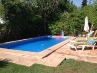 lovely villa near the beach on one level, Estepona
