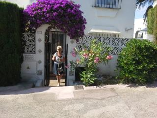 Townhouse in Landscaped Gardens with Shared Pool, Sitio de Calahonda